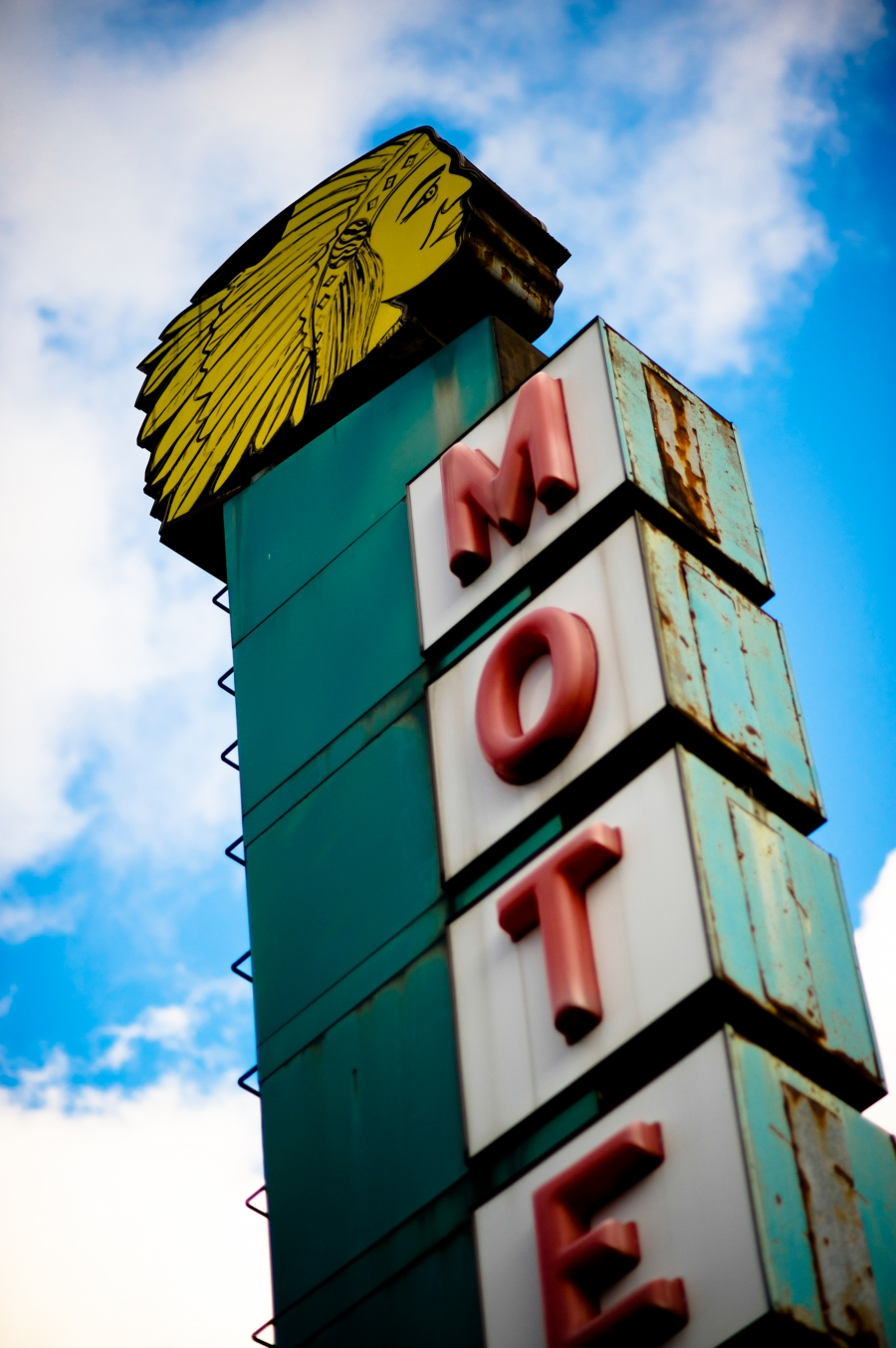 Apache Motel-Lincoln Ave Chicago, IL